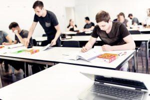 Unterrichtsraum an der HWSGR in Chur